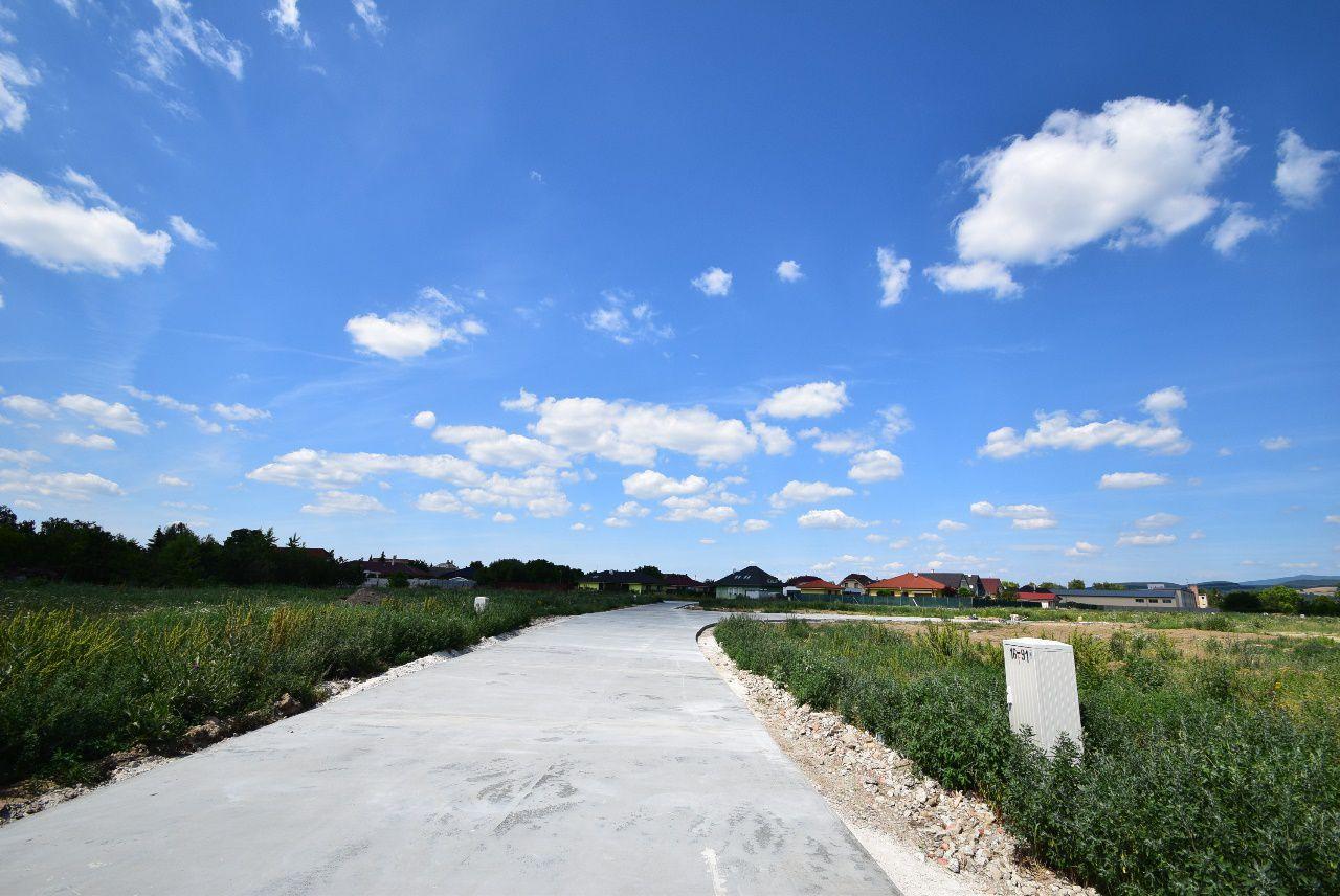 133e427e7 Stavebné parcely / nový rodinný dom / Horná Streda