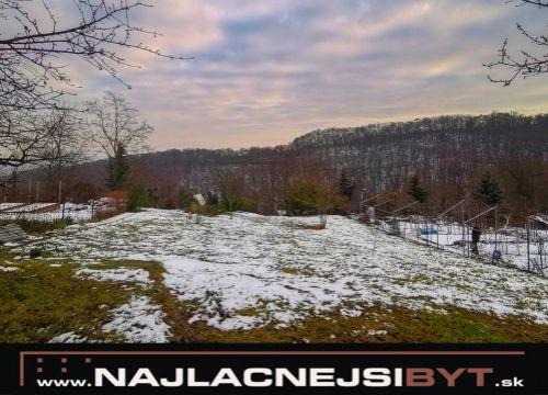 Najlacnejsibyt.sk: fantastický na juh orientovaný pozemok Bratislava - Rača - Knižná Dolina - Nová Hora, 719 m2, možnosť výstavby