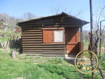 Znížená cena !!! Na predaj záhradka s chatkou a unimobunkou /523m2/ v Bánovciach n/B.