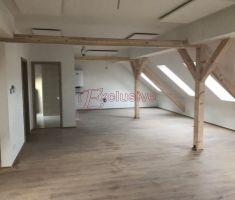 Znížená cena !!! Veľkometrážny 3 izbový byt v centre Piešťan za výbornú cenu !