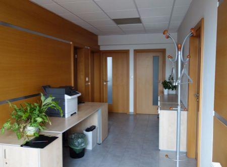 Kancelária, 15m2 a 30m2, Bratislava, Ružinov, Strojnícka ulica, parkovanie v cene