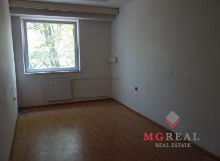 Lacné malé kancelárie, cca 17m2, vhodné pre nechtové štúdio, salón, Bratislava-Nové Mesto