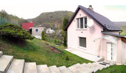 ODPORÚČAME! Luxusne zariadený dom so štatútom chaty, krásny výhľad, 9 km od KE, SOKOĽ / Uhrinč