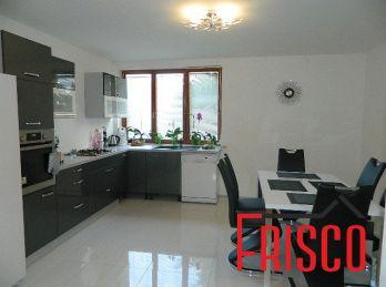 EXKLUZÍVNE!Predáme 6-izb. rodinný dom s garážou v obci Zemianske Sady