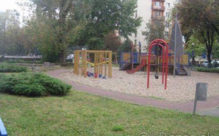 2i.byt , loggia , 53m2 - prerobený na Martinčekovej ul. v BA.II.