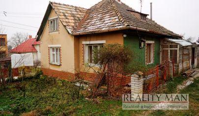 REALITY MAN – 3 izbový rodinný dom, 740 m2, centrum - Čachtice