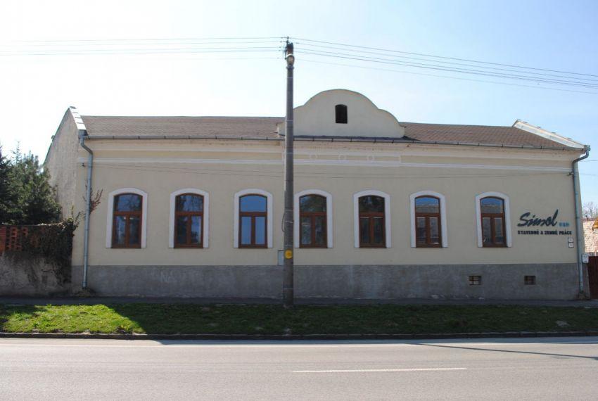 Predaj administratívna budova Šahy