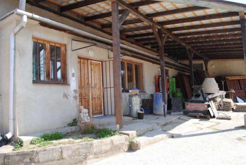 Predaj administratívna budova Šahy-5