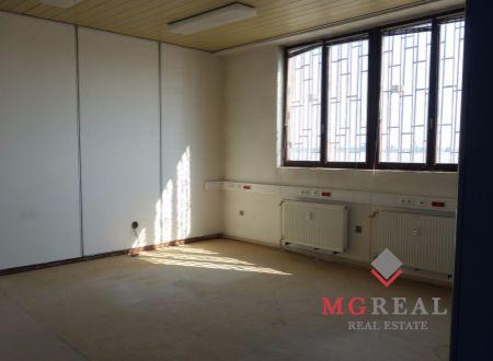 Administratívne priestory 74m2, nízka cena, výhodná poloha, Bratislava-Ružinov, Pestovateľská ul., parkovanie