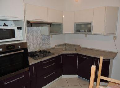 SUPER CENA !!!!  INSURIA REAL  Vám ponúka na predaj 3 izbový byt Bratislava-Petržalka,  Krásnohorská