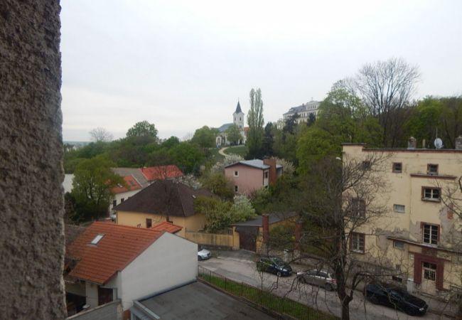 REZERVOVANÉ!!!Ponúkame na predaj 3.izb.byt V LUKRATÍVNEJ ČASTI + GARÁŽ Kalvárska ( 081-113-LUZ )