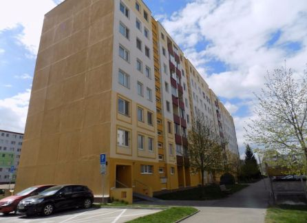 StarBrokers -  PREDAJ, 4 izb. byt, Vrakuňa, ul. Rajecká, kompletná rekonštrukcia, garáž cca 50 m od domu