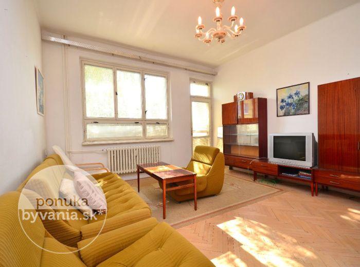 PREDANÉ - RAČIANSKA, 2-i byt, 60 m2 - TEHLA, LOGGIA, vysoké STROPY, uzavretý DVOR, bezproblémové PARKOVANIE, murovaná PIVNICA