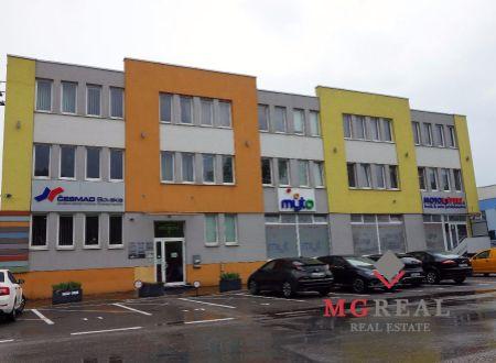 Zariadené kancelárske priestory, malé kancelárie, 20m2, 25m2, Bratislava,Ružinov, Studená ul., parkovanie