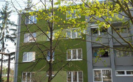 Na predaj krásny 1 izbový byt 35 m2, veľká loggia cez celý byt  Bratislava Dúbravka - Bujnákova ulica