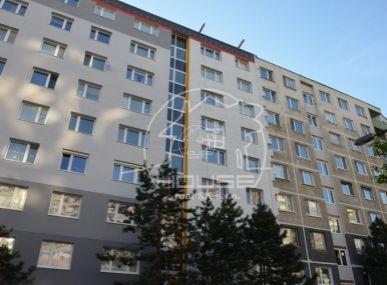 PREDAJ: 3 izb.byt, loggia, výborná lokalita BA V Petržalka, Šášovská ulica
