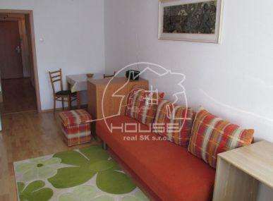 PRENÁJOM:  1 izbový byt, kompletne zariadený, výborná lokalita, Račianska ulica, výmera 30 m2