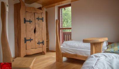 Víkendový rodinný dom s rázovitým interiérom Stará Lesná