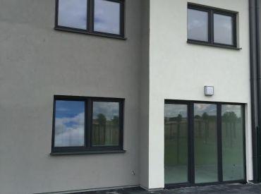 POSLEDNÉ 3 DOMY 162500,- v Rovinke www.alejprihradzi.sk ! Dom o rozlohe od 225m2, 7 izieb, garáž + 2 x parkovanie, pozemok 400m2! Výborná cena!