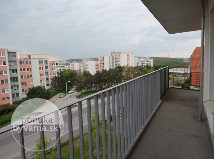 PREDANÉ - DROTÁRSKA CESTA, 3-i byt, 100 m2 – holobyt, NOVOSTAVBA Machnáč, parkovacie státie v GARÁŽI, možný ODPOČET DPH, pri HORSKOM PARKU