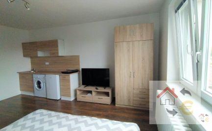 Prenajatý do 1.11.2021 - 1 izbový byt s kuchynským kútom, komplet rekonštrukcia, plne zariadený
