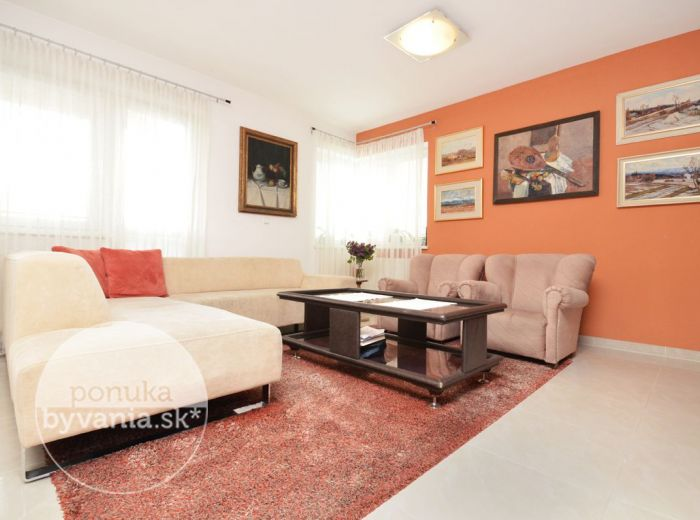 PREDANÉ - SÚMRAČNÁ, 4-i byt, 122 m2 – tehlový byt v NOVOSTAVBE, priestranná LOGGIA, v krásnej časti plnej ZELENE, rodinné bývanie, garážové MIESTO
