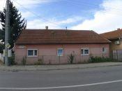 Topoľčany - 3 izbový dom, vhodný aj na podnikanie so stavebnou parcelou