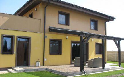 Veľmi pekný, 5 izb rodinný dom v tichej časti obce Hviezdoslavov
