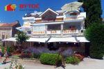 BYTOČ RK - Predaj - apartmánová villa 4* s reštauráciou len 15 metrov od mora - Selce