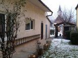 na predaj starší  rodinný dom v Rusovciach. Rezervované!