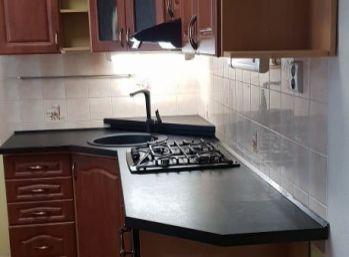 Predaj 3 izbového zrekonštruovaného bytu v Nitre v centre v tehlovej bytovke