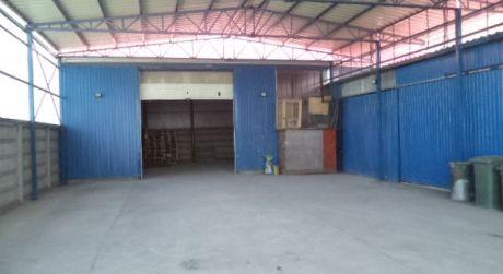 PRENÁJOM:Skladové,Výrobné haly v obci Komjatice.