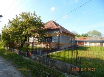 Reality Štefanec /ID-10535/, Kľúčovec, okr. Dun. Streda, predaj 3 iz. RD,  pozemok 900 m2, CENA: 31.200,-€.