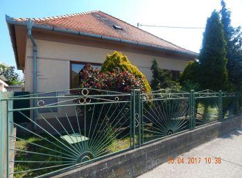 Reality Štefanec /ID-10537/, Dunajská Streda,  predaj rekonštruovaného 3 iz. RD, pozemok 830 m2, CENA: 143.000,-€