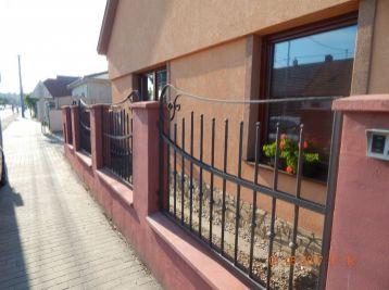 Reality Štefanec /ID-10538/, Veľký Meder, okr. Dun. Streda, predaj 3+1+1+1 iz. luxusný RD, pozemok 2.000 m2, CENA:169.900,-€