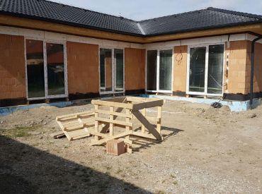Novostavba - bungalov s garážou na začiatku obce Dunajská Lužná!!