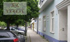 Predáme polyfunkčný objekt - obchodný priestor aj bývanie na Hlavnej ul. v centre Mesta Šamorín 167000,-Eur