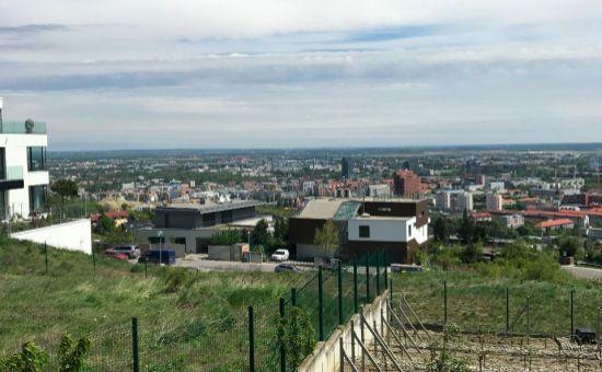 ARTHUR - exkluzívny pozemok, krásny výhľad, uzavretý areál BA III. - KOLIBA - Lopúchová ul., PREDAJ