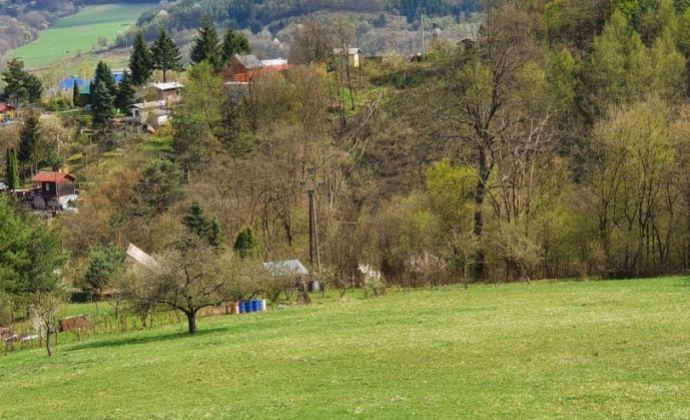 Výborná INVESTÍCIA -  POZEMOK s krásnym výhľadom na okolie -  Žarnovica