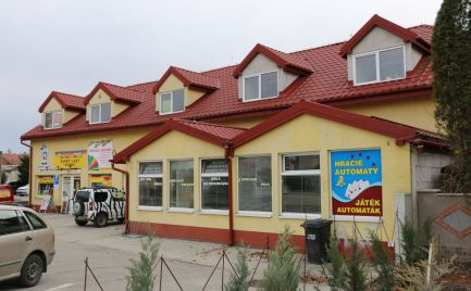 Komerčný objekt (obchodné, prevádzkové a administratívne priestory) na predaj v Šamoríne na Bratislavskej ceste. Dohoda možná.