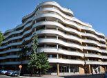 prenájom, 3-izbový zariadený byt v Gaudi s terasou a balkónom, parking pre viac áut.
