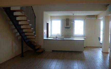 Na prenájom pekný 5-izbový byt s galériou v novostavbe v centre Šamorína - od júna