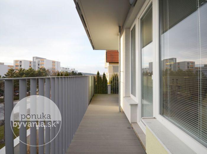 PREDANÉ - DROTÁRSKA CESTA, 3-i byt, 100 m2 – moderný TEHLOVÝ byt, novostavba MACHNÁČ, prestížna lokalita pri HORSKOM PARKU, obklopený ZELEŇOU