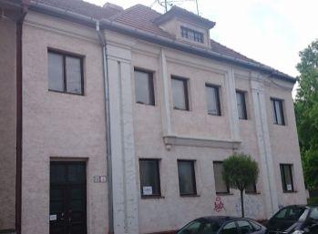 Rodinná villa s dvoma bytovými jednotkami v Piešťanoch