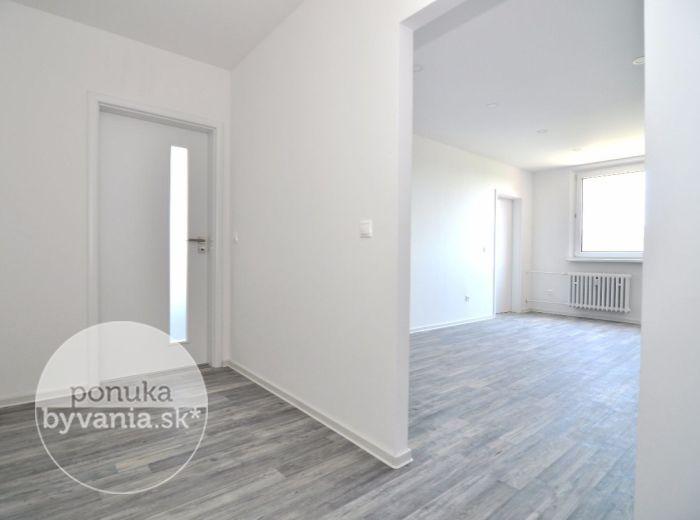 PREDANÉ - DROBNÉHO, 3-i byt, 74 m2 – kompletne zrekonštruovaný byt s loggiou, nové ROZVODY ELEKTRINY, zmena dispozície - MAX. VYUŽITÝ PRIESTOR