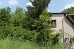Ponúkame Vám na predaj zariadenú chatu v lese v obci Jabloňovce.