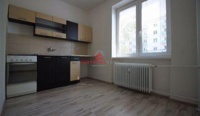 Pekný prerobený 2-izbový byt s balkónom a výťahom,predaj, HLINKOVA