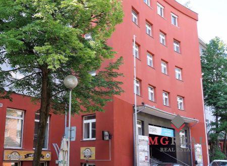 Kancelársky celok v širšom centre, Ružinov, flexibilný priestor, 44m2, 64m2 až 108 m2, parkovanie, skladové priestory