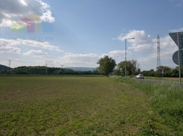 174476 Pozemok na priemyselnú výstavbu - Nové Mesto nad Váhom 38275 m2 - Cena 12,- € / m2