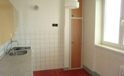 Slnečný 2i byt v Brezne